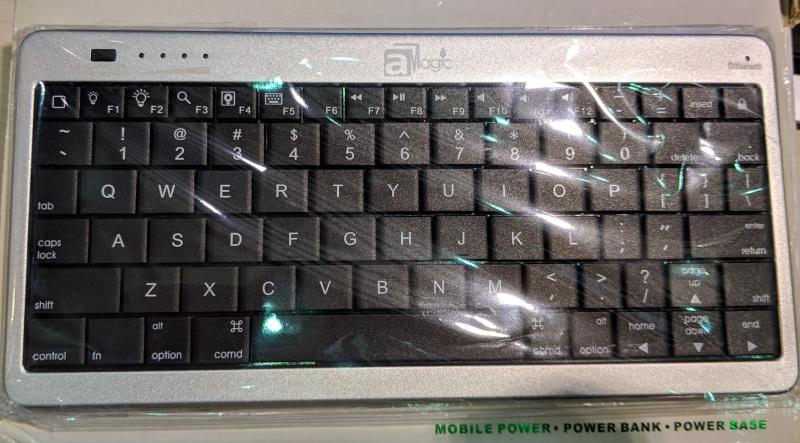 aMagic 10000mAh Bluetooth Keyboard